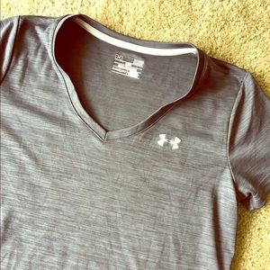 Grey under armour heat gear T-shirt